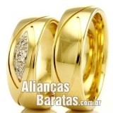 Alianças baratas  em ouro para casamento.